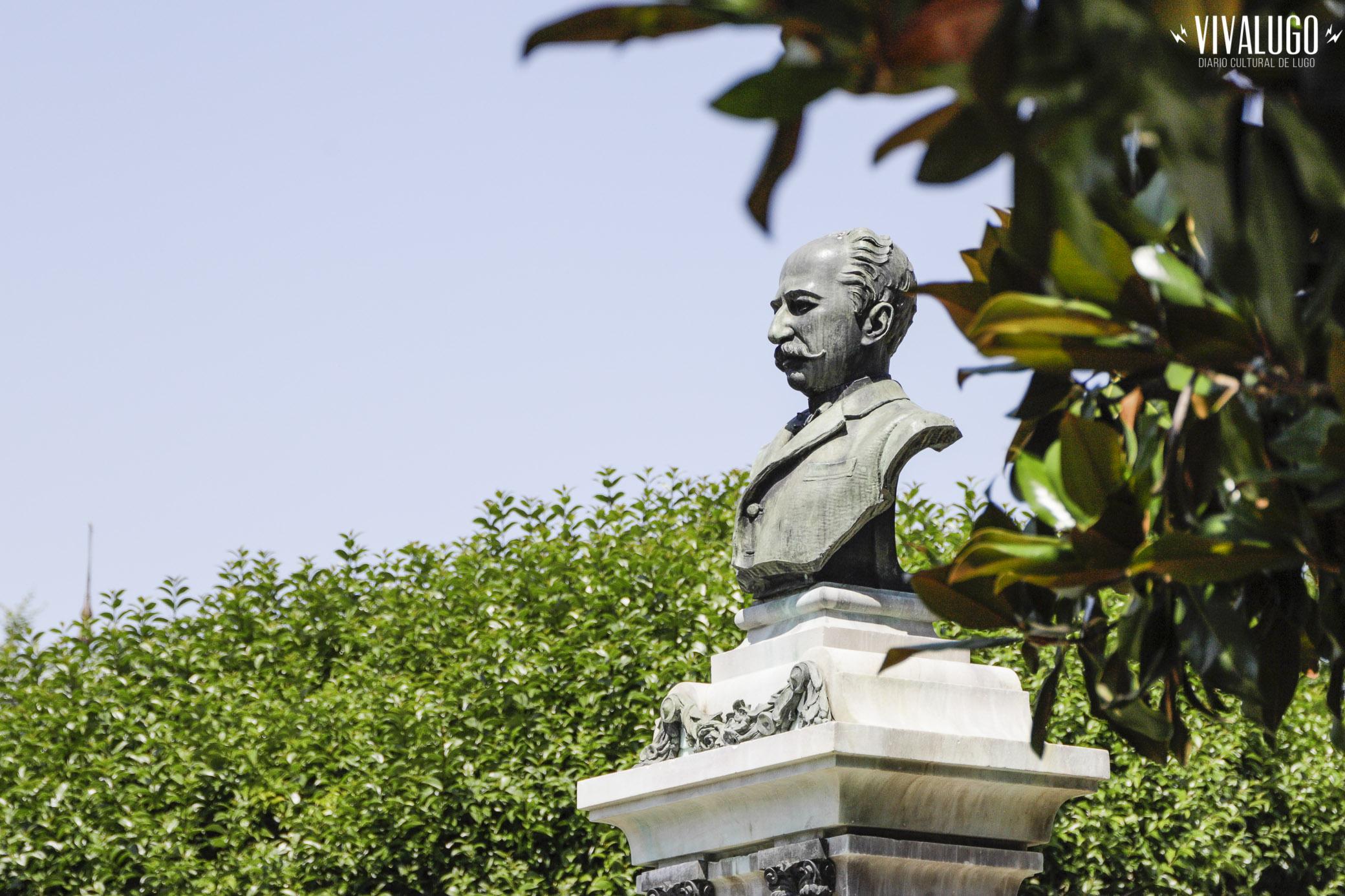 Foto de Loopez para Viva Lugo acto de apertura ao público do busto de Xoán Montes