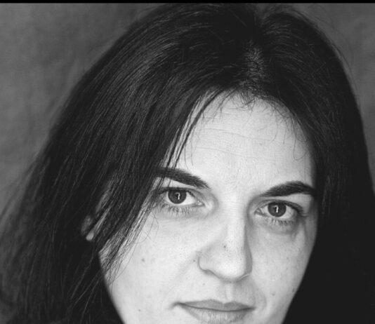 """""""FELIZ IDADE""""de Olga Novo Premio Nacional de Poesía 2020"""