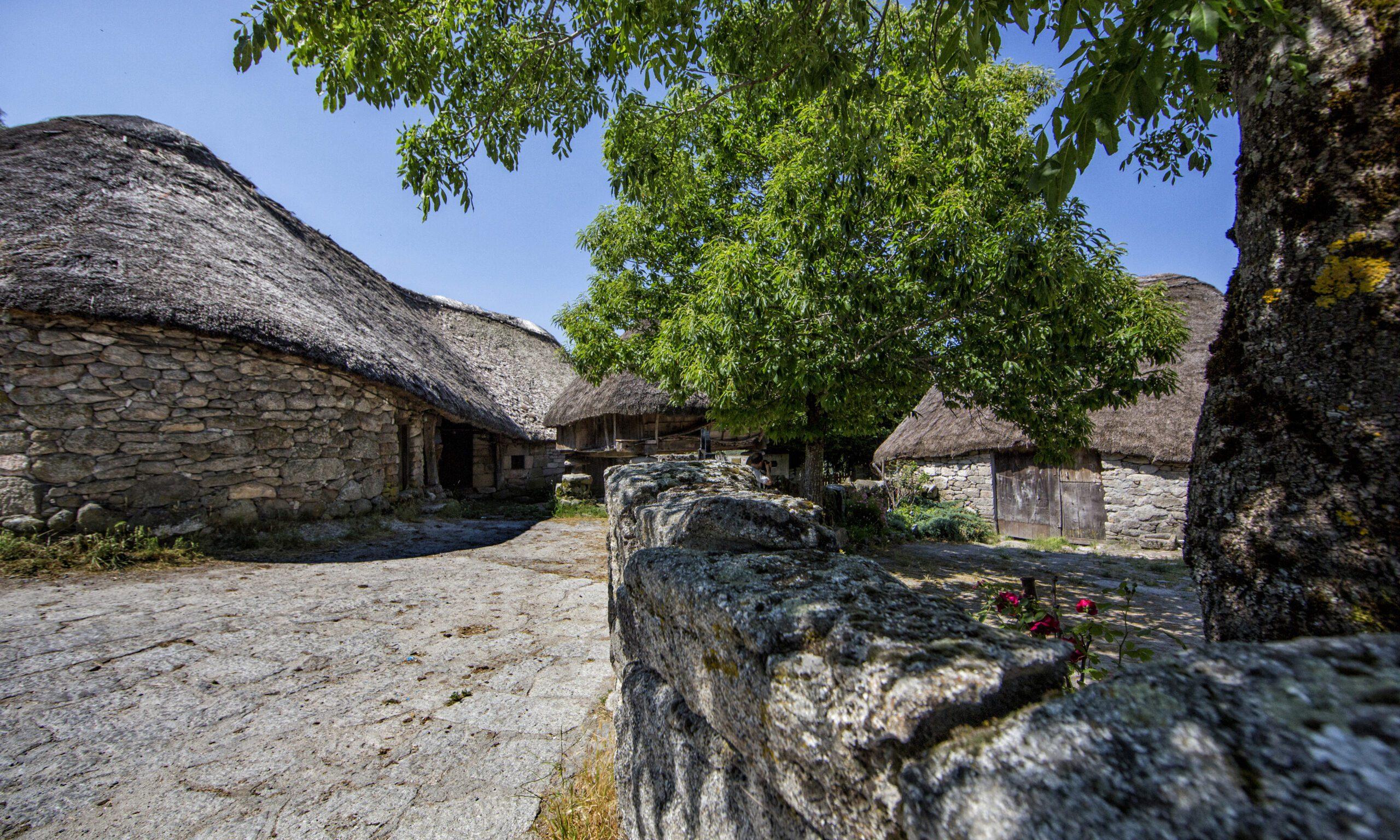 Exposición sobre a natureza e o patrimonio de Galicia